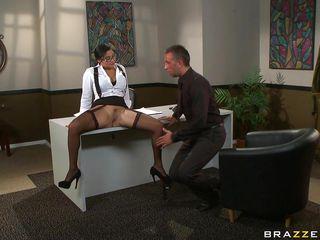 Секс с подругой с большими сиськами