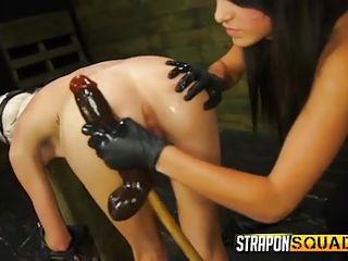 Смотреть онлайн огромные секс игрушки