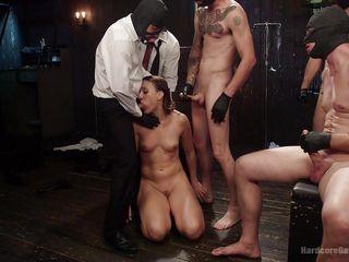 групповое порно в сауне