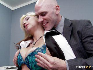 Порно грудастая госпожа